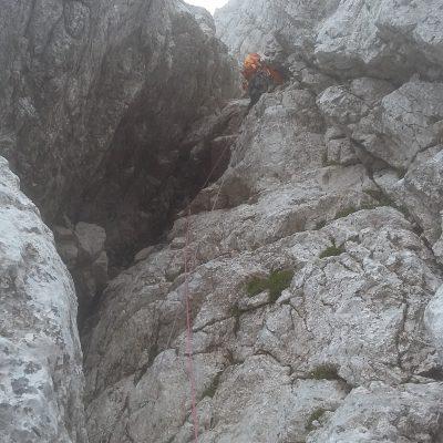 Kamin proti vrhu smeri