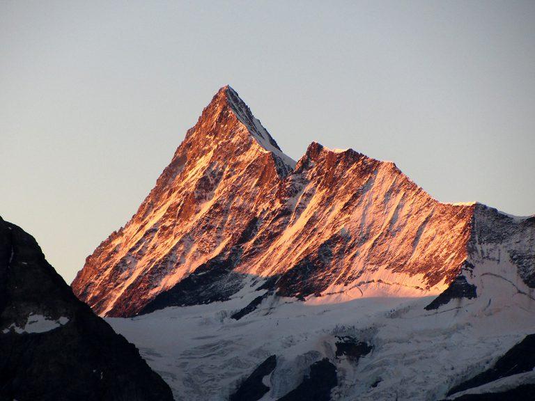 Finsteraarhorn. Vir: summitpost.org