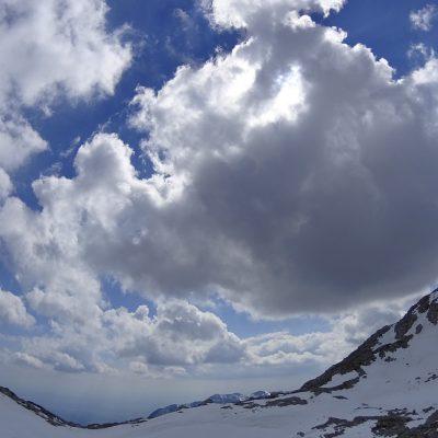 Bal sem se, da bo ta oblak zasenčil
