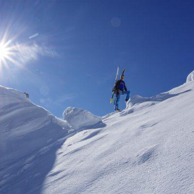 Na sedlu pod vrhom. Foto: Franci Pogačar