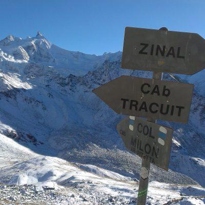 Pot iz Zinala proti Cabane de Tracuit, pogled nazaj. Foto: Janez Nastran