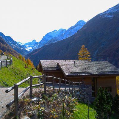 Lična vasica Zinal v dolini Val d'Anniviers. Foto: Janez Nastran