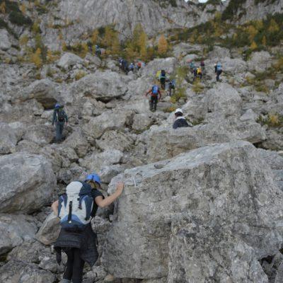 Drži skalo, da ne bi šla v dolino. Foto: Jaka Dolinar