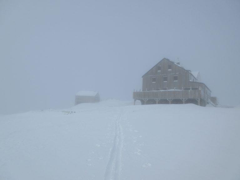 Hagener hutte z zimsko sobo.