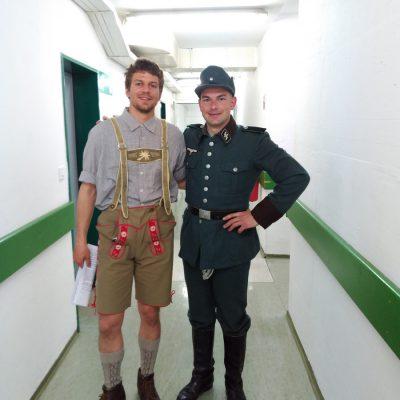 Klemen (Joža Čop) in Aleš (nemški oficir)