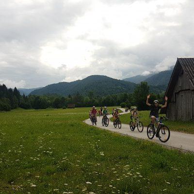 po kolesarski stezi do Bohinjskega jezera
